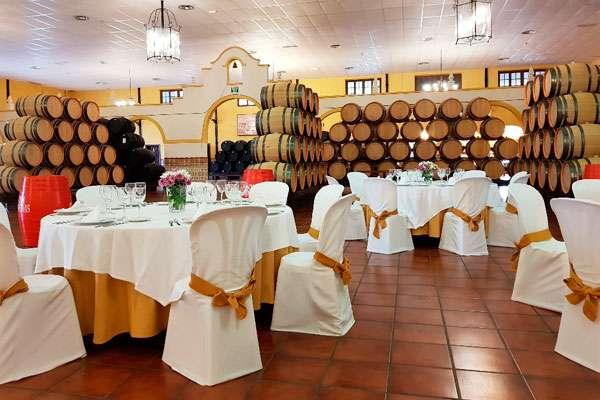 Salón montado para celebrar una primera comunión